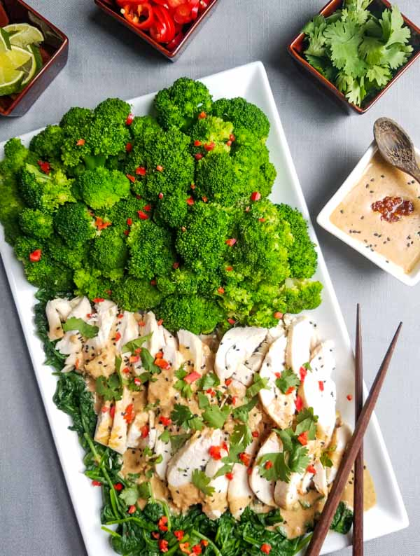 How to serve swimming rama thai with chicken and brocolli garnishes
