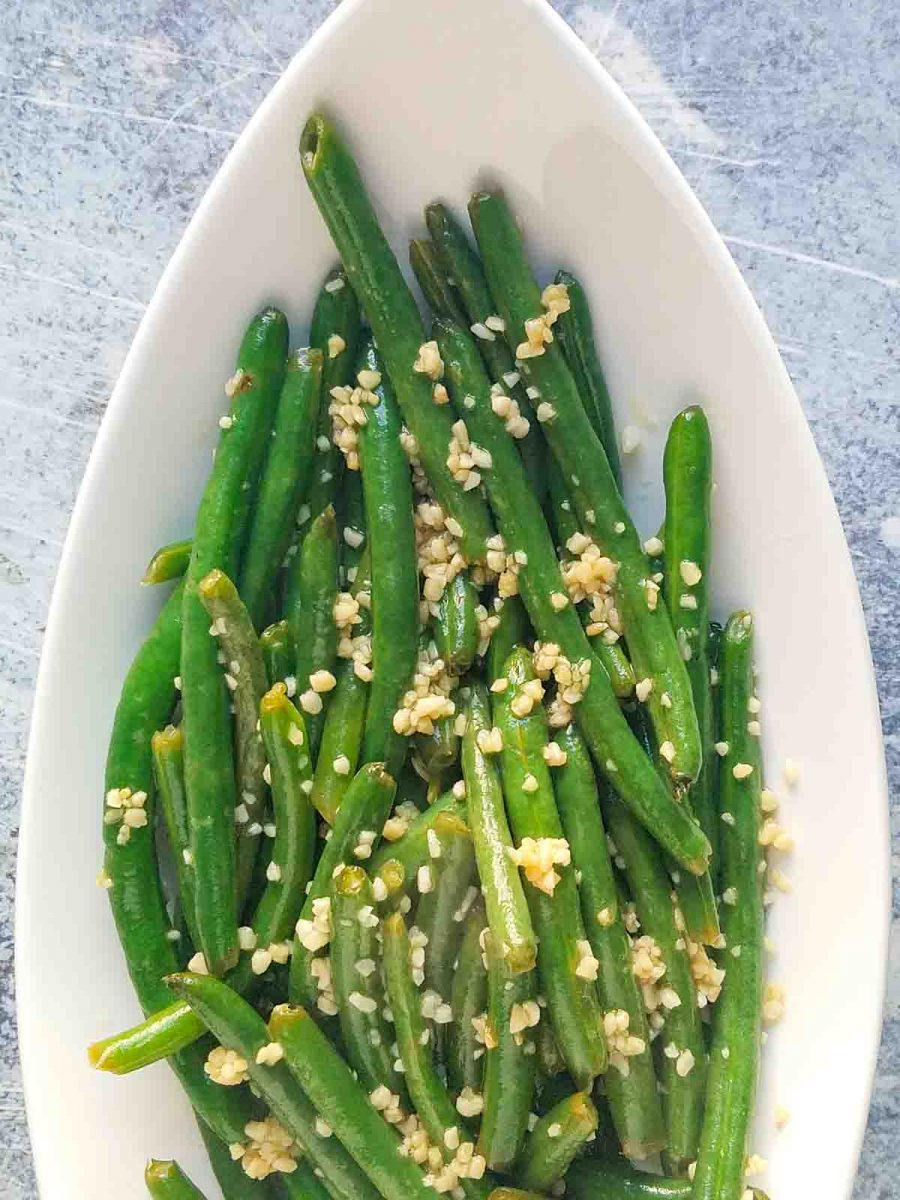 green beans in serving dish