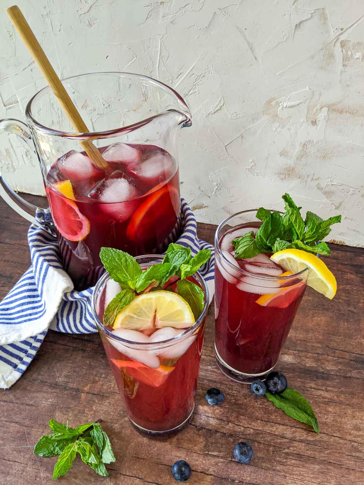 blueberry fruit tea in glasses