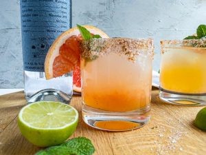 grapefruit paloma recipe in a glass