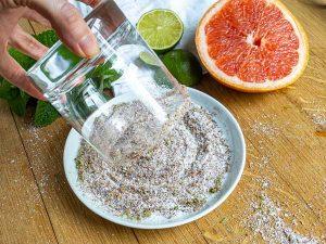 how to salt a rim glass