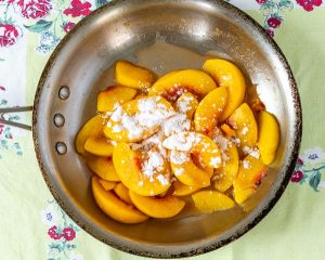 arrowroot to thicken peach crumble in pan