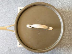 resting sushi rice in pot