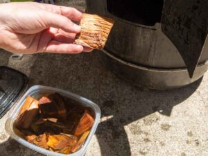 adding applewood chunks to electric smoker
